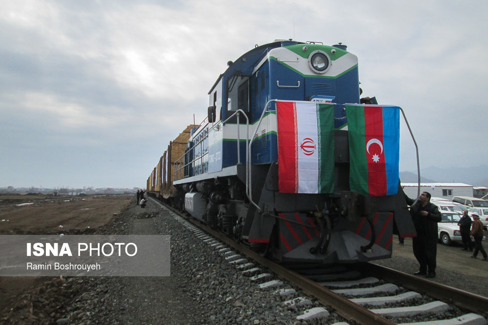 ورود نخستین قطار باری اروپا و آغاز آزمایشی حمل و نقل ترکیبی در آستارا